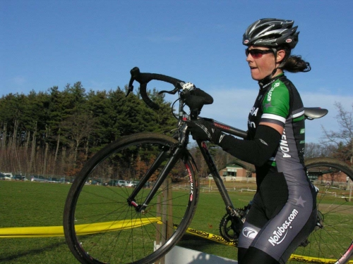 Mary McConneloug once again clobbers the elite women. Baystate Cyclocross, Day 1. © Paul Weiss